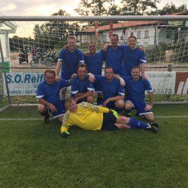 Blau-weiße Herren schlagen sich wacker bei Ü40-Stadtmeisterschaft